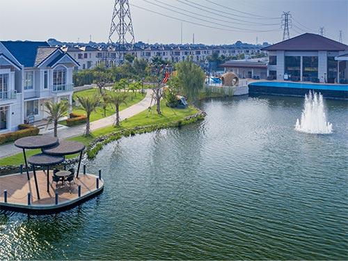 03 Fasilitas Lavon Cikupa Tangerang - park and lake - paty interior