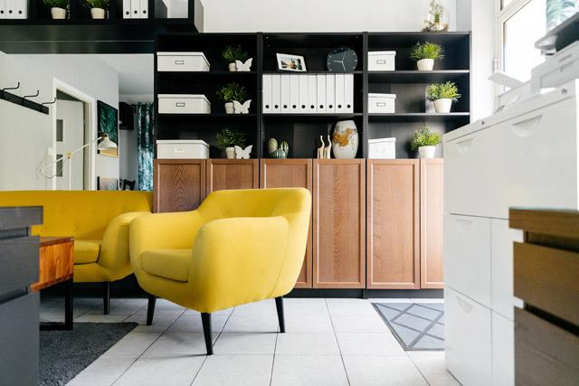 03 Simpan dengan pintar - Cara Membuat Rumah Terasa Lebih Besar dan Terang - paty interior